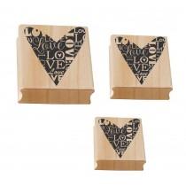 Carimbo Love em 3 tamanhos diferentes, a partir de R$29,90